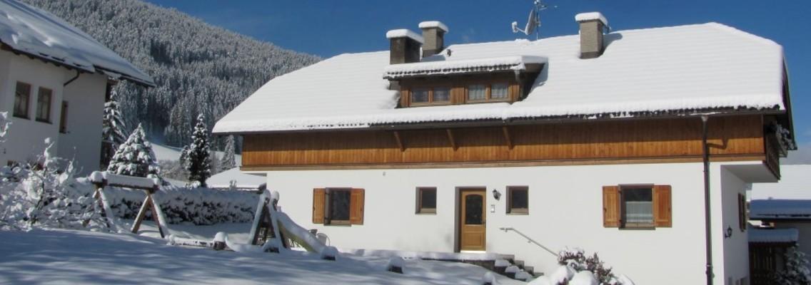 Hoferhof in the winter